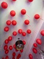 Amenajează singur - decor 150 baloane pentru o surpriză inedită
