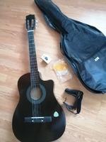 Vand chitara clasica cu tot cu husa