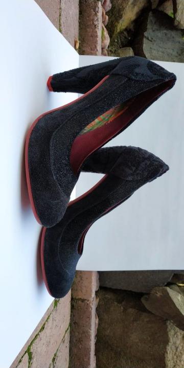 pantofi negri Desigual