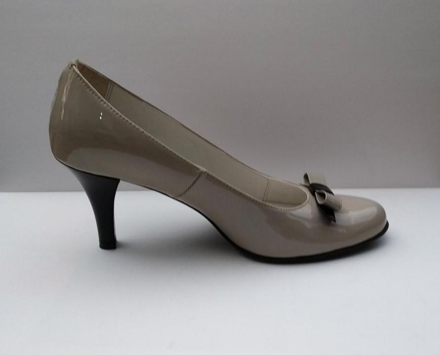 Pantofi piele lacuita cu toc