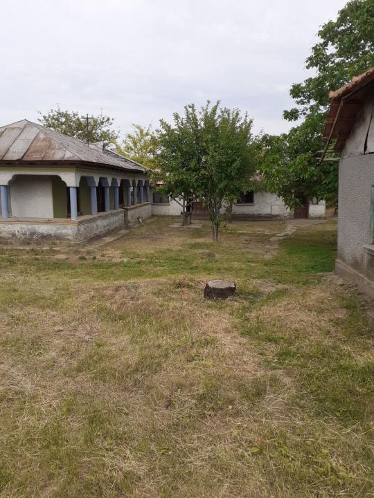 vand casa CU CURTE DE 2000 MP  in sat SF GHEORGHE ,JUD GIURGIU,LA 40 KM DE BUCURESTI