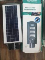 Lampi solare petru curte su strada