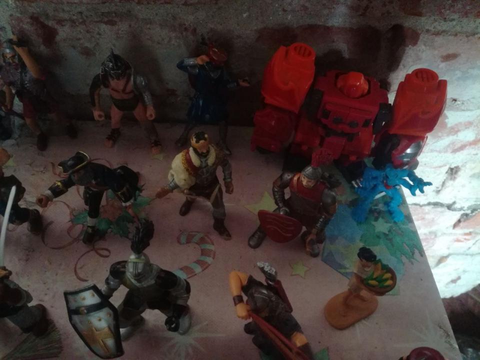 Jucării figurine