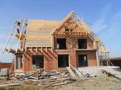 Executam acoperisuri de blocuri si case