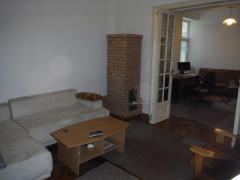 Apartament 2 camere, ultracentral, spatios, parkare păzită, 5 min Universitate, convenabil