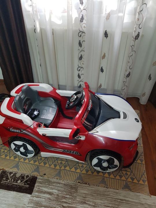 Vand mașina electrică copii