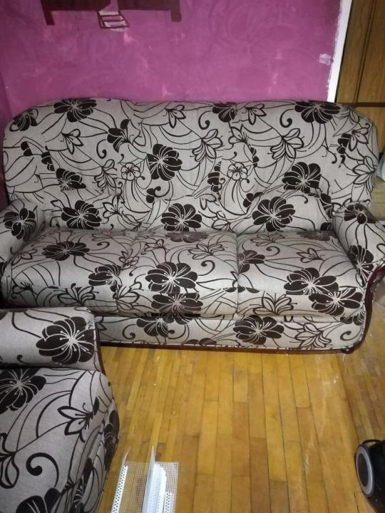 Canapea cu doua fotolii