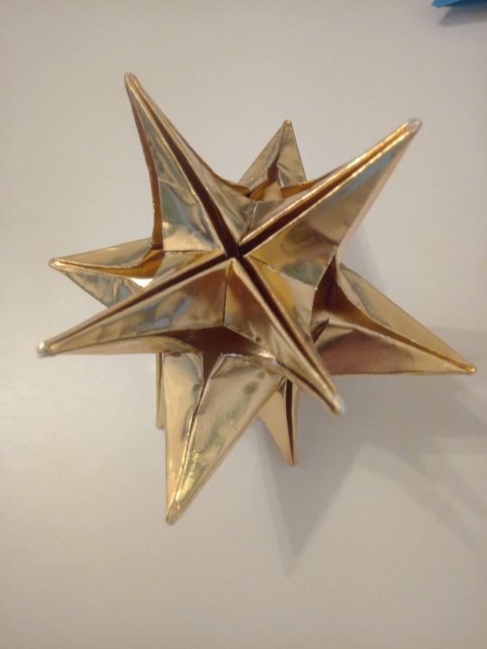 Vând ornamente origami Craciun