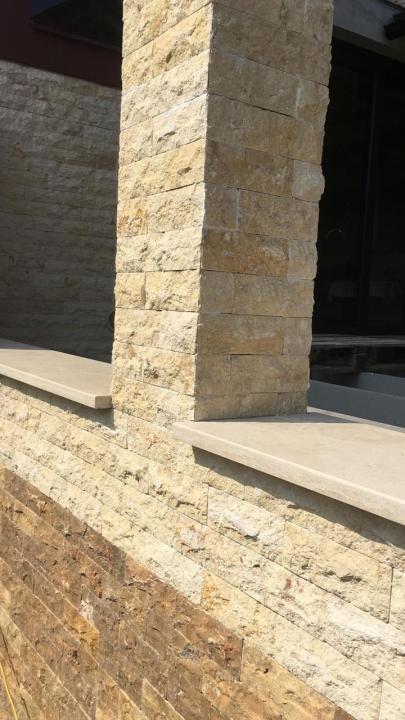 Capace de gard din piatra naturala
