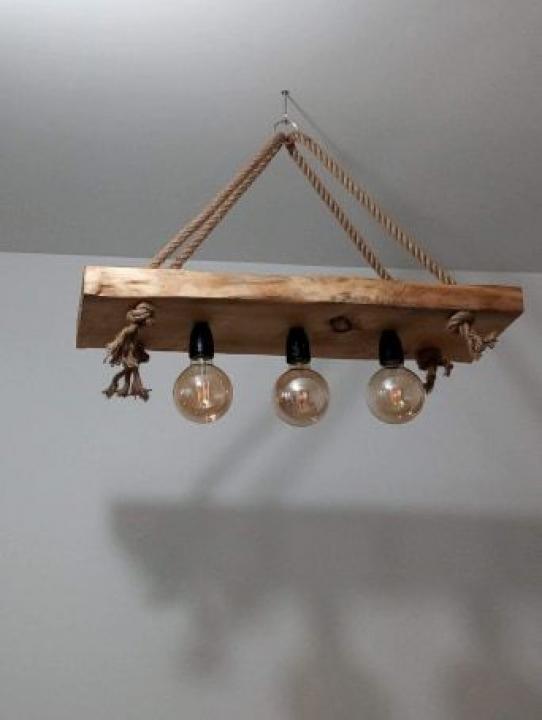 Lampi si lustre realizate handmade