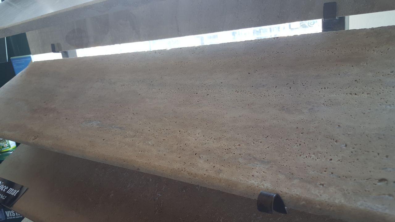 Glafuri interior/exterior din travertin