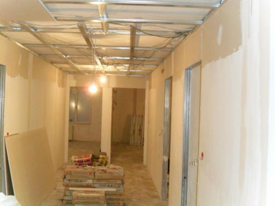 constructii,finisaje interioare si exterioare