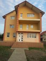Vila Miroslava langa Primarie
