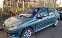 Inchiriez auto Peugeot 206