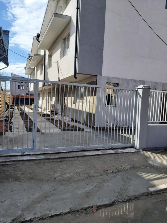 Vila tip triplex p+1+m Aparatorii Patriei, str. Plaiul Foii