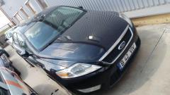 Autoturism Ford si autoturism Dacia