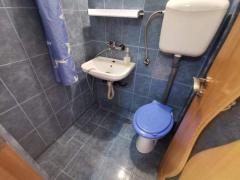 Vand garsonieră în Sibiu etaj 2mobila bucătărie totul schimbat nou