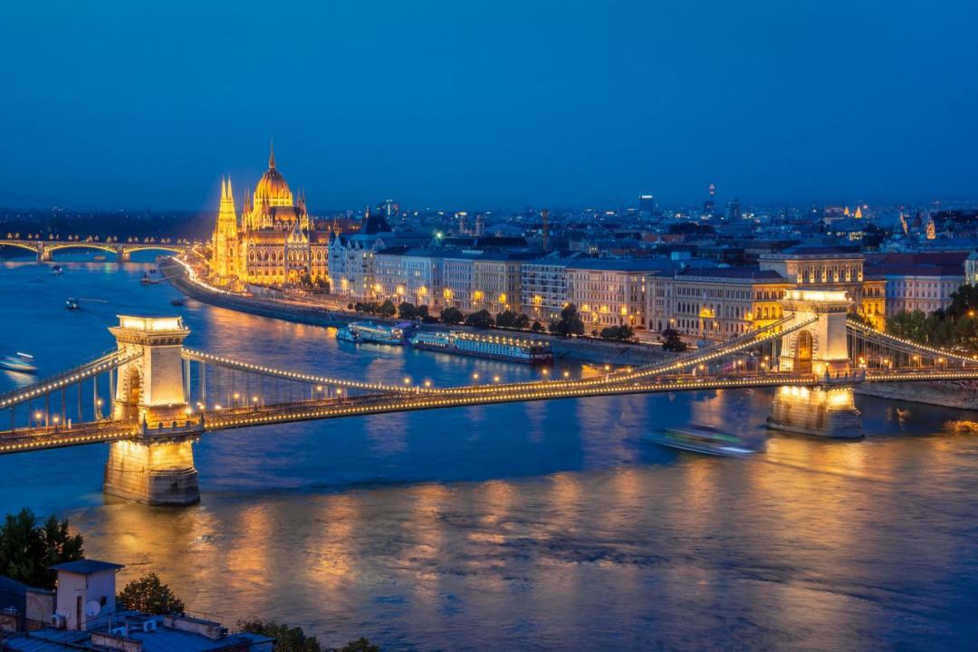 Transport, transfer cu autoturism, cu masina micaTimisoara Budapesta