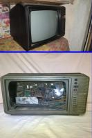 Televizor vintage alb negru portabil 2 bucati