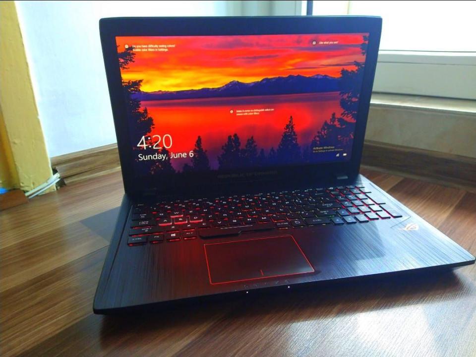 Laptop Gaming ASUS ROG GL553VD-FY009 cu Windows.