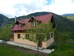 Casa de vacanta+teren, priveliste deosebita, la poalele muntilor Piatra Craiului