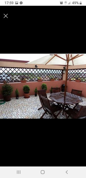 Inchiriez cel mai frumos apartament cu terasa