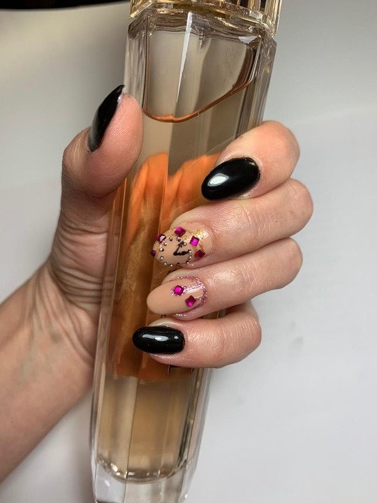 Nail Art si Design