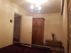 Închiriez apartament cu 2 camere