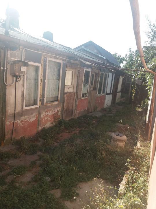 Giurgiului str Toporas sector 5 teren 155 mp si o casa DEMOLABILA 2 CAMERE