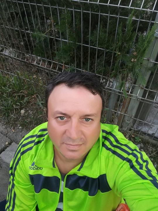 fata caut baiat din Cluj-Napoca