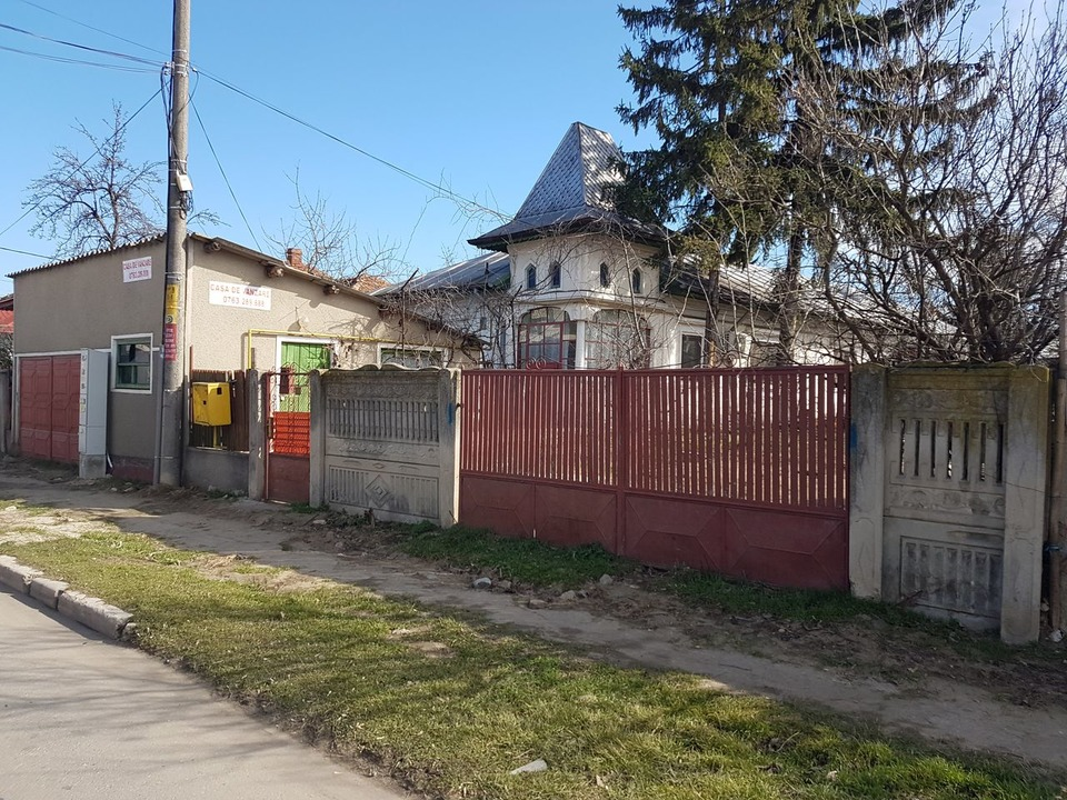 Vand Casa in Rosiori de Vede, Teleorman, 4 cam + garaj + teren 600 mp