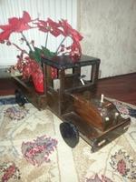 Mașinuță decorativă, lucrată manual. 60 cm